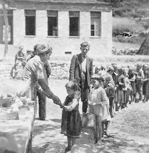 Έλληνα ... ΜΗΝ αφήνεις τα παιδιά σου στο έλεος του ΔουΝουΤού ...