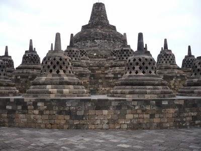 Gambar Candi Borobudur - Stupa
