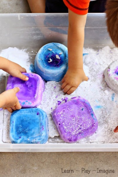 Chilly imaginative play with FROZEN baking soda dough