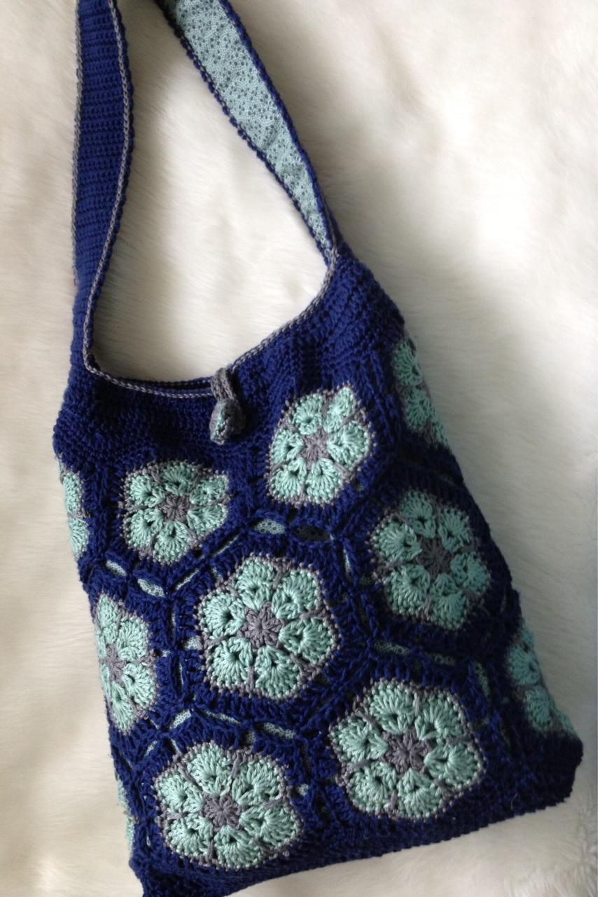 Teri\'s Blog: Elgin Knit Works African Flower Bag.