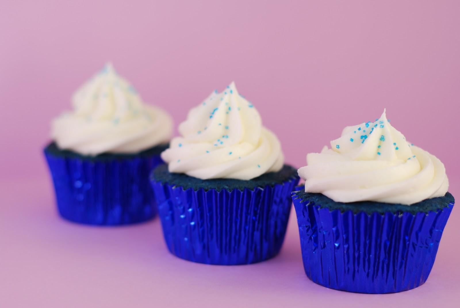 BakeFrostRepeat Blue Velvet Cupcakes
