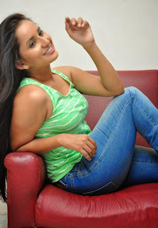 Ishika Singh hot spicy stills and photos