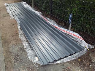 Projekt carport schritt 7 die dacheindeckung - Gartenhaus dach blech ...