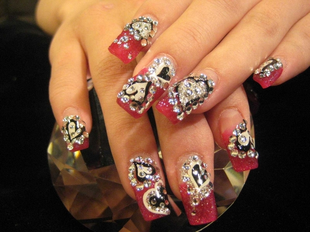Valentine\'s Day Nail Designs