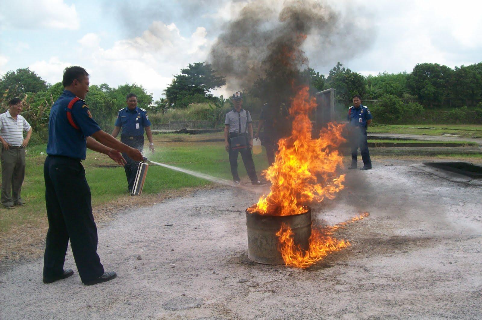 Alat Pemadam Api Ringan Ramah Lingkungan