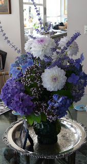 Shirley Beélik's blue arrangement