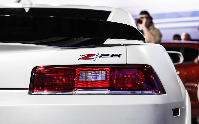 2014 chevrolet camaro z28 taillight1 - Camaro 2014 Z28 Wallpaper