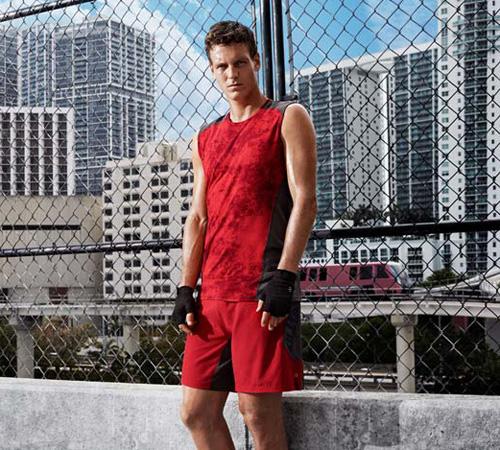 camisetas y pantalones deportivos H&M para hombre