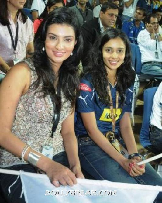 Gayathri Reddy ipl photo - (16) - Gayatri Reddy Hot Pics at IPL Matches