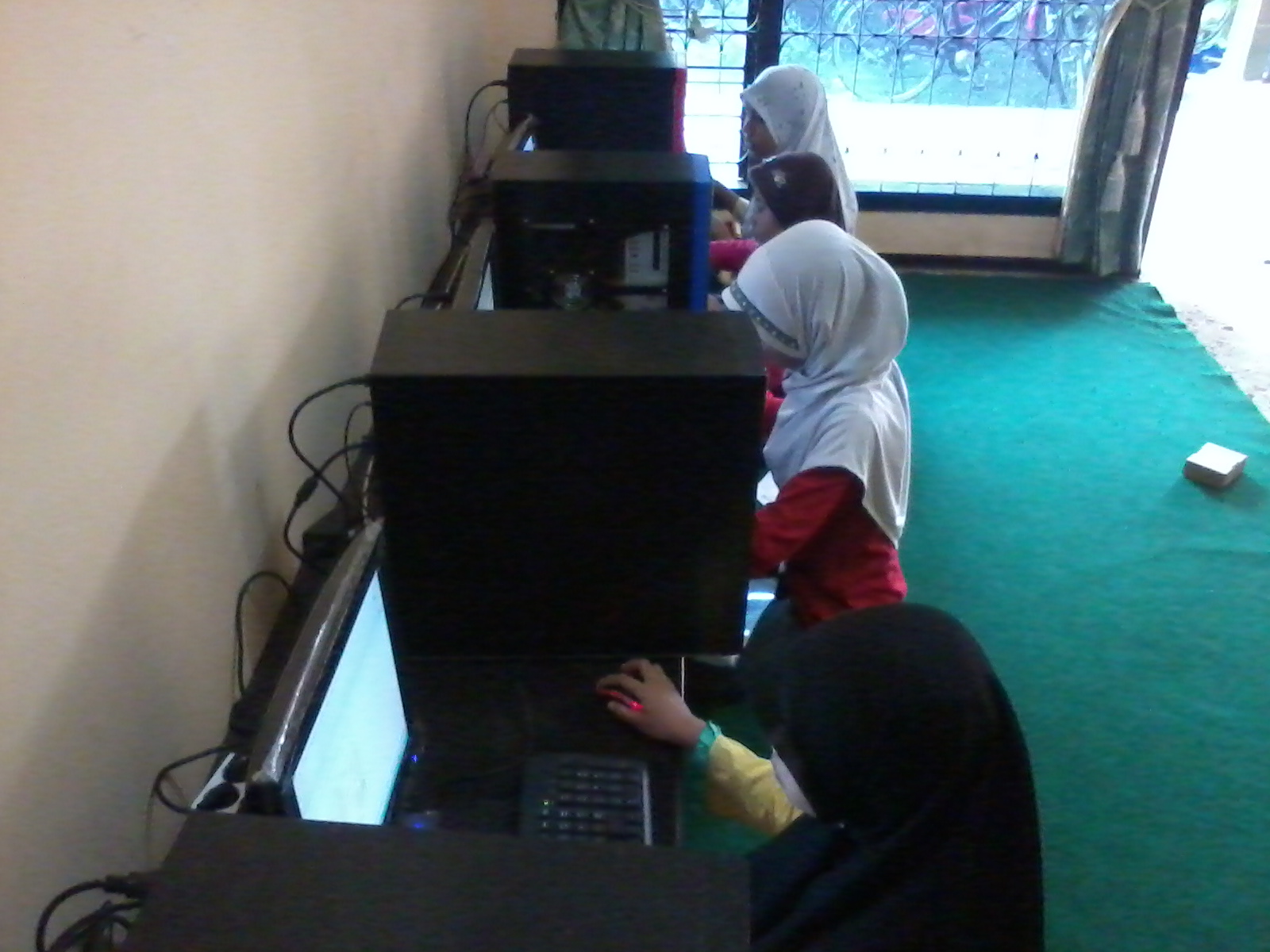 Kisah Membuka Usaha Kursus Komputer Indahnya Berbagi