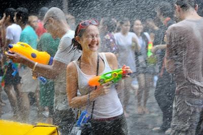 songkran-festival-bangkok.jpeg (600×399)