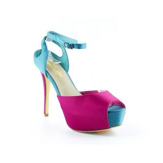 Zapato fuxia y azul de bibi lou