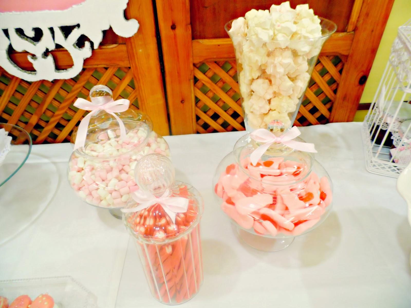 http://www.experimentando-enla-cocina.blogspot.com.es/2013/10/candy-bar-boda-y-la-receta-de-los.html