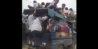 Beginilah Perjuangan Pelajar ke Sekolah