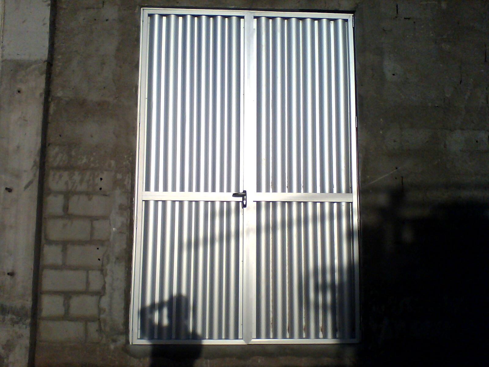 #586773 METALPLAST Esquadrias Forros e Divisórias: Portão em Alumínio 4414 Janela Aluminio Maxim Ar Serie 25