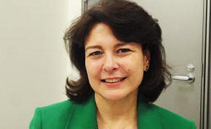 Lusófonos na ONU: BRASILEIRA POLIGLOTA JÁ SERVIU NO TIMOR LESTE E EM ANGOLA