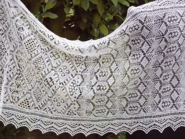 TE KOOP: Shetland lace /Bruidssjaal.