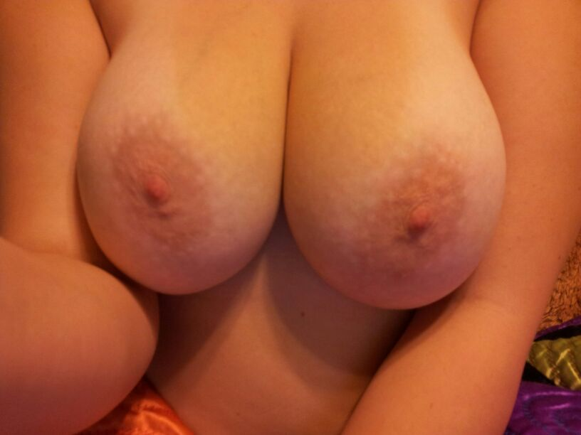 Self Taken Graph Of Huge Teen Boobs Those Are Perfect Pink