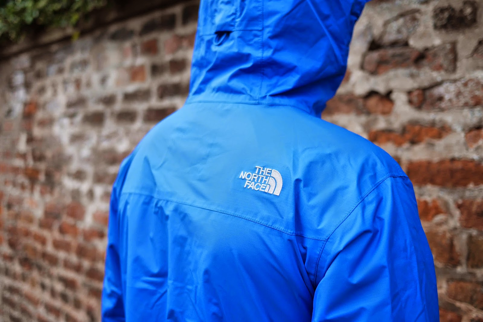 the north face venture jacket review, menswear blog, blue hiking jacket, jackets for commuters, commuter clothing
