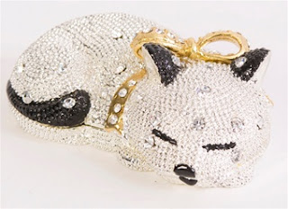 https://www.chasingtreasure.com/Sleeping-Kitty-Cat-Crystal-Trinket-Box-24k-gold-p/jwg-bj2029ct.htm