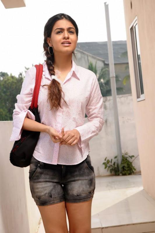 Actress Shobha Latest Hot Photos Stills navel show