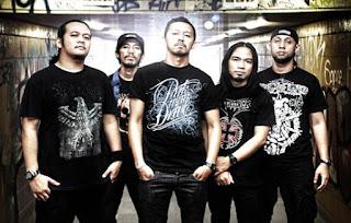 """Burgerkill adalah sebuah band metalcore yang berasal dari kota Bandung, Jawa Barat. Nama band ini diambil dari sebuah namarestaurant makanan siap saji asal Amerika, yaitu Burger King, yang kemudian oleh mereka diparodykan menjadi """"Burgerkill""""."""