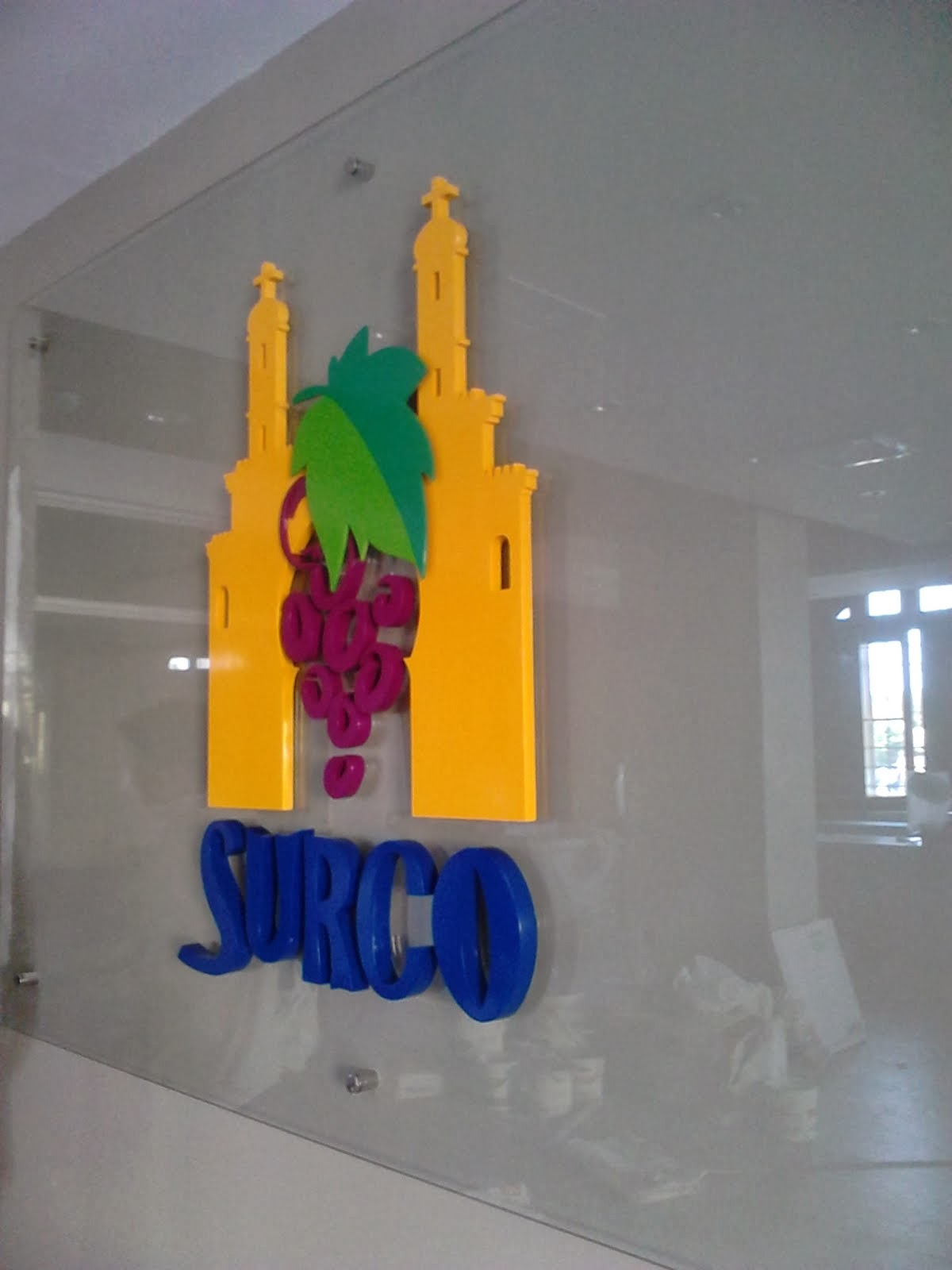 surco - LETRERO EN POLIURETANO