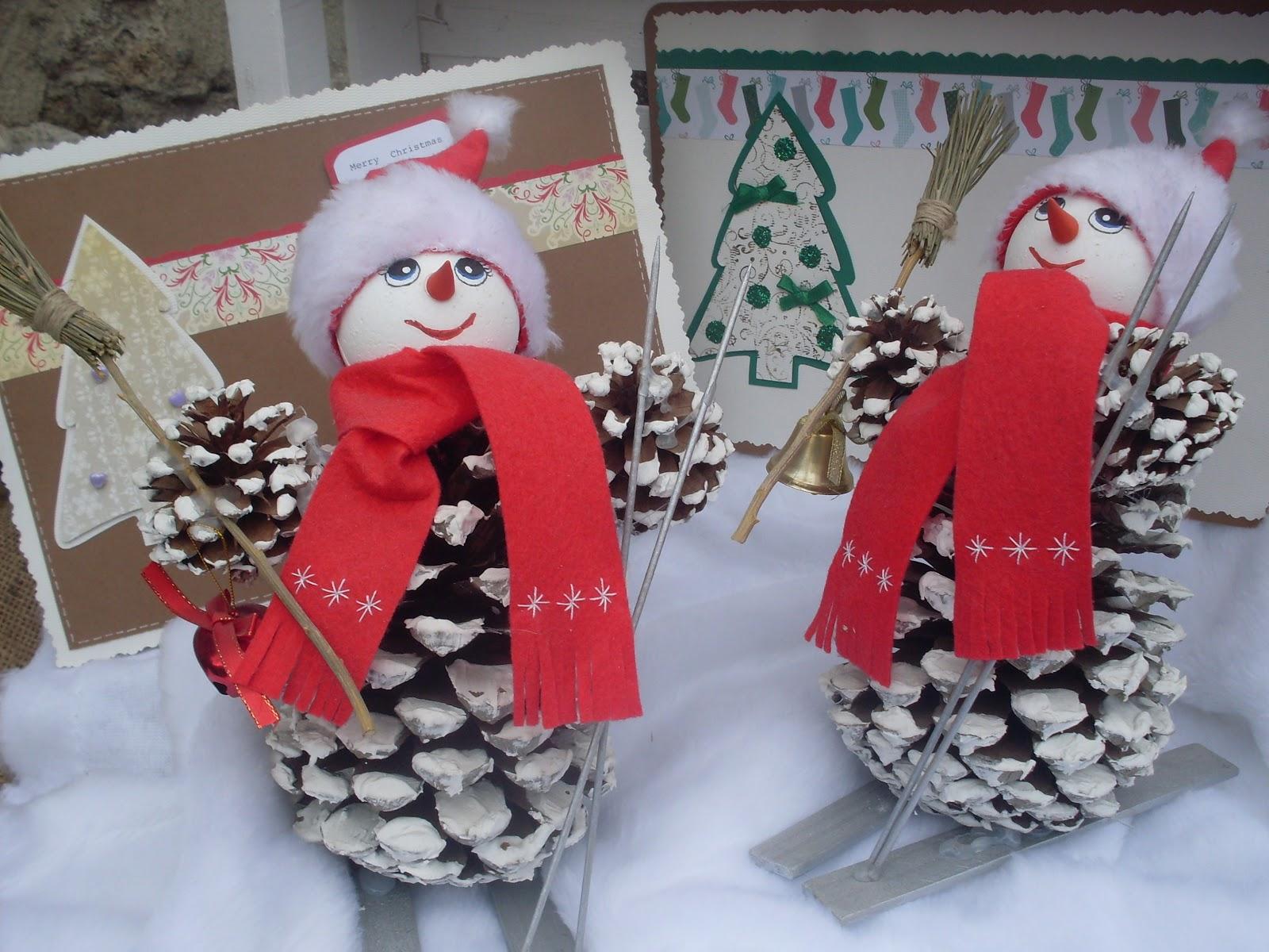 Los detalles de macu mu ecos de nieve con pi as - Adornos de navidad hechos con pinas ...