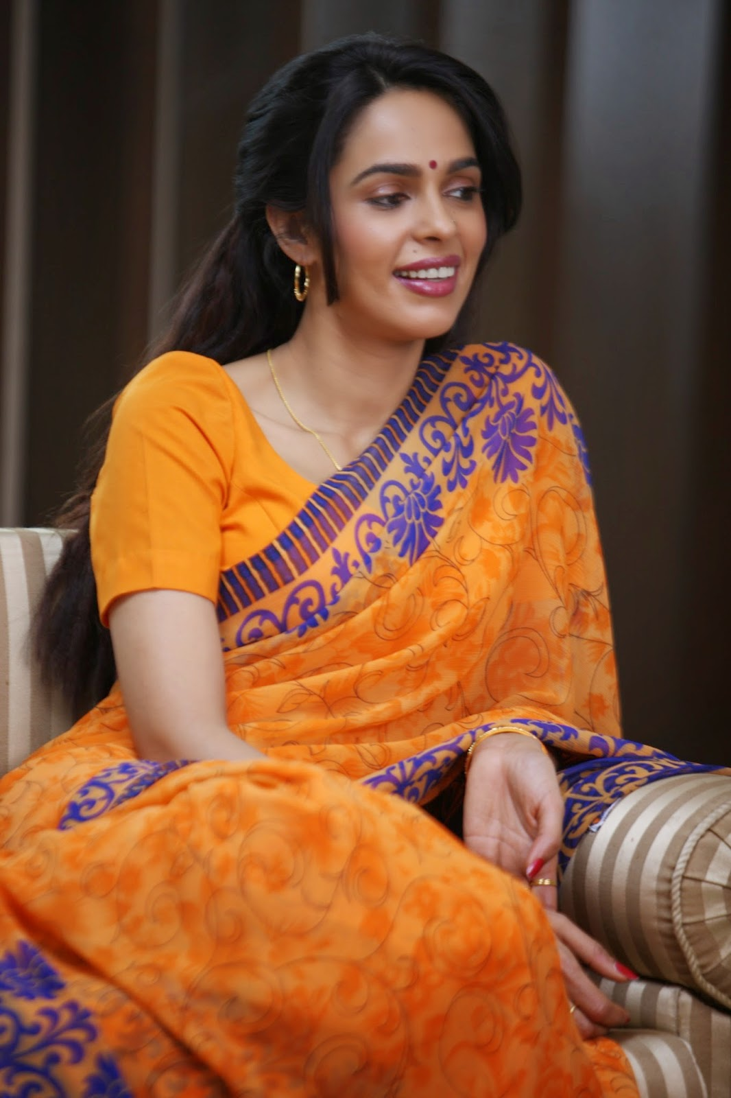 First Look Of Mallika Sherawat in saree wallpapers