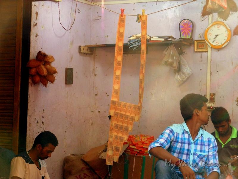 Money garland for Bappa, Lalbaugcha raja, Ganesh Pandal Hopping, Mumbai