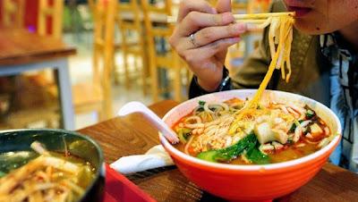 Ιδιοκτήτης εστιατορίου έβαζε όπιο στα noodle που σέρβιρε, έτσι ώστε οι πελάτες να επιστρέφουν για περισσότερα.