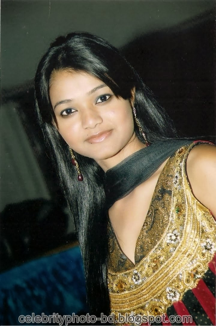Deshi+girl+real+indianVillage+And+college+girl+Photos097