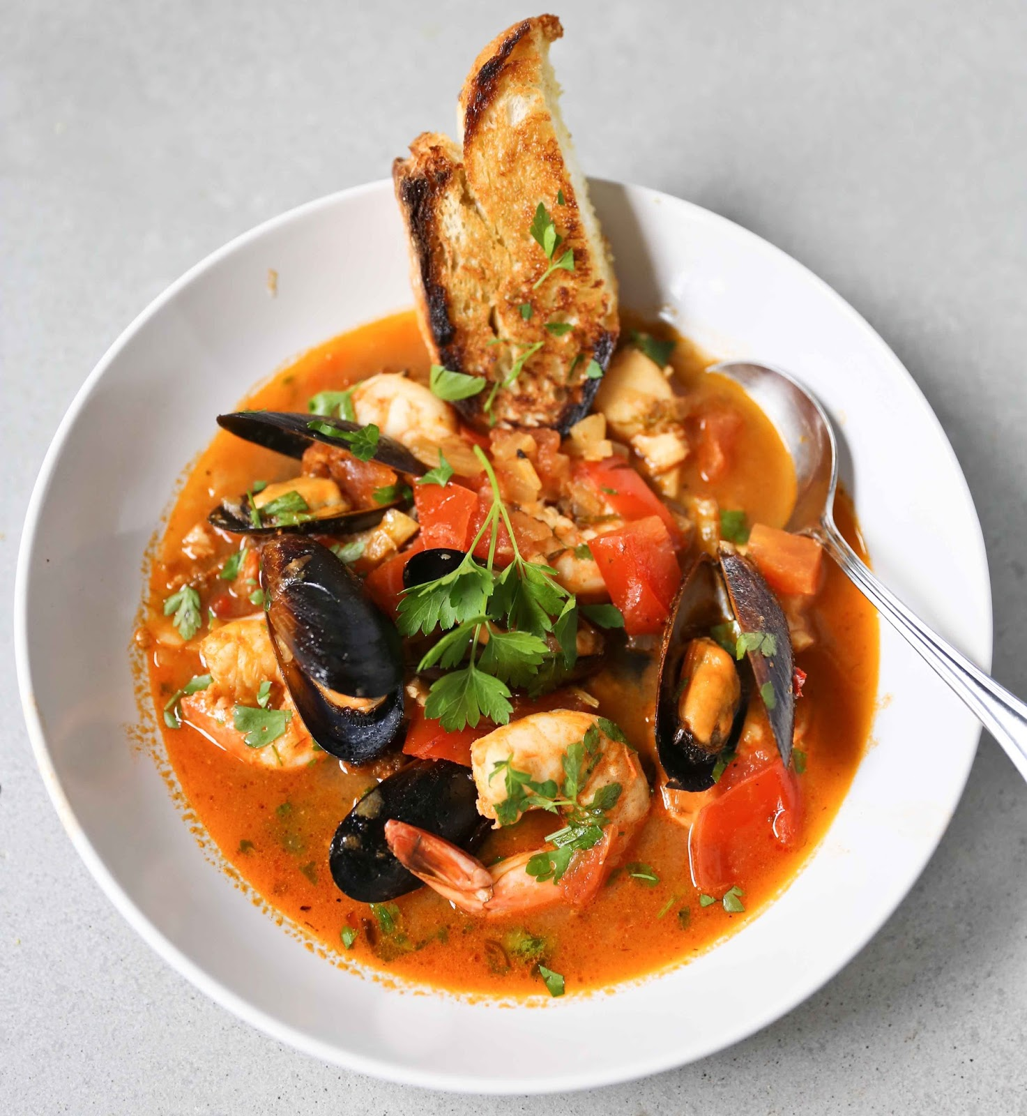 Seafood Stew With Fennel And Thyme Recipe — Dishmaps