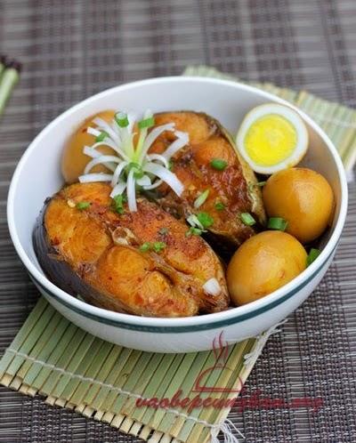 Món cá basa kho tàu với trứng cực ghiền