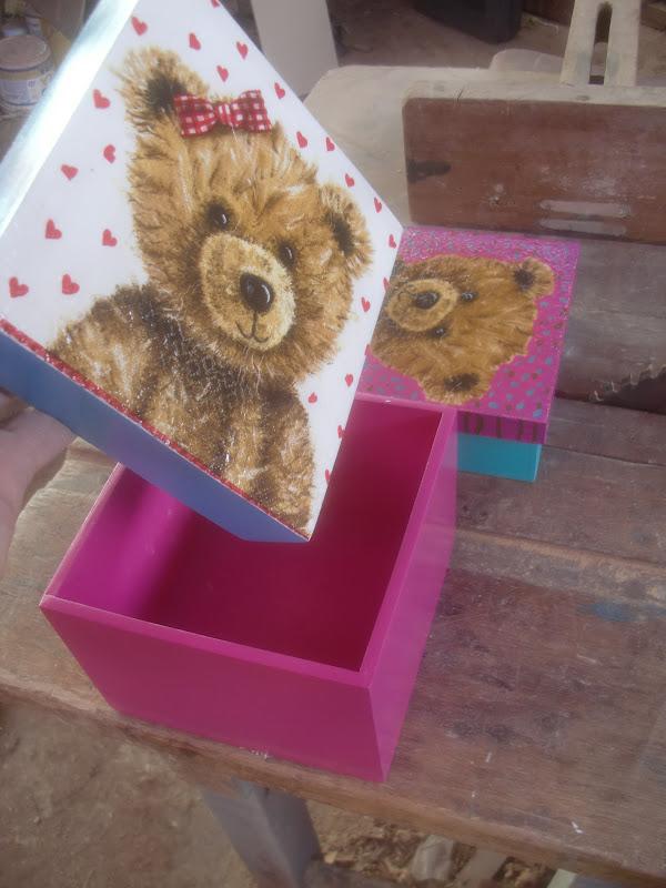 Decoraciones manualidades en madera manualidades en madera - Manualidades pintar caja metal ...