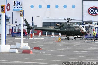 hélicoptère insolite parking hypermarché carrefour Villiers-en-Bière Seine-et-Marne