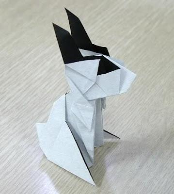 Сегодня мы будем складывать очаровательного оригами зайца от Jassu.  В вашем распоряжении фотосхема и оригами паттерн.