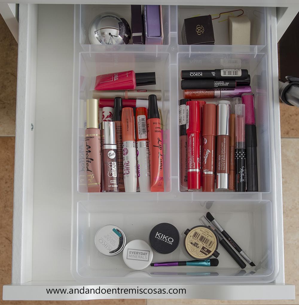 Organización de maquillaje 5
