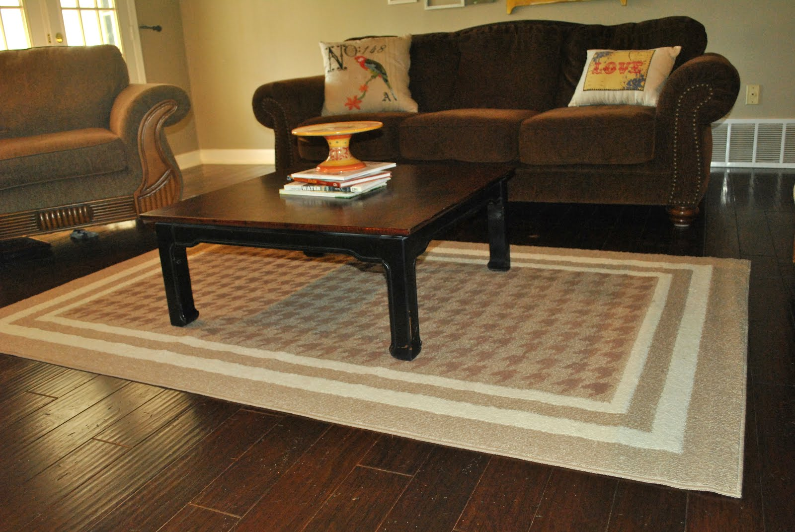 Amazing Grays Houndstooth Stenciled Rug