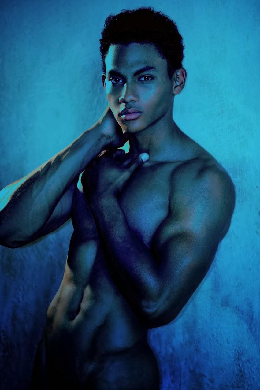 posted by alina parker at 19 43 labels duane moreno joseph bleu nude ...