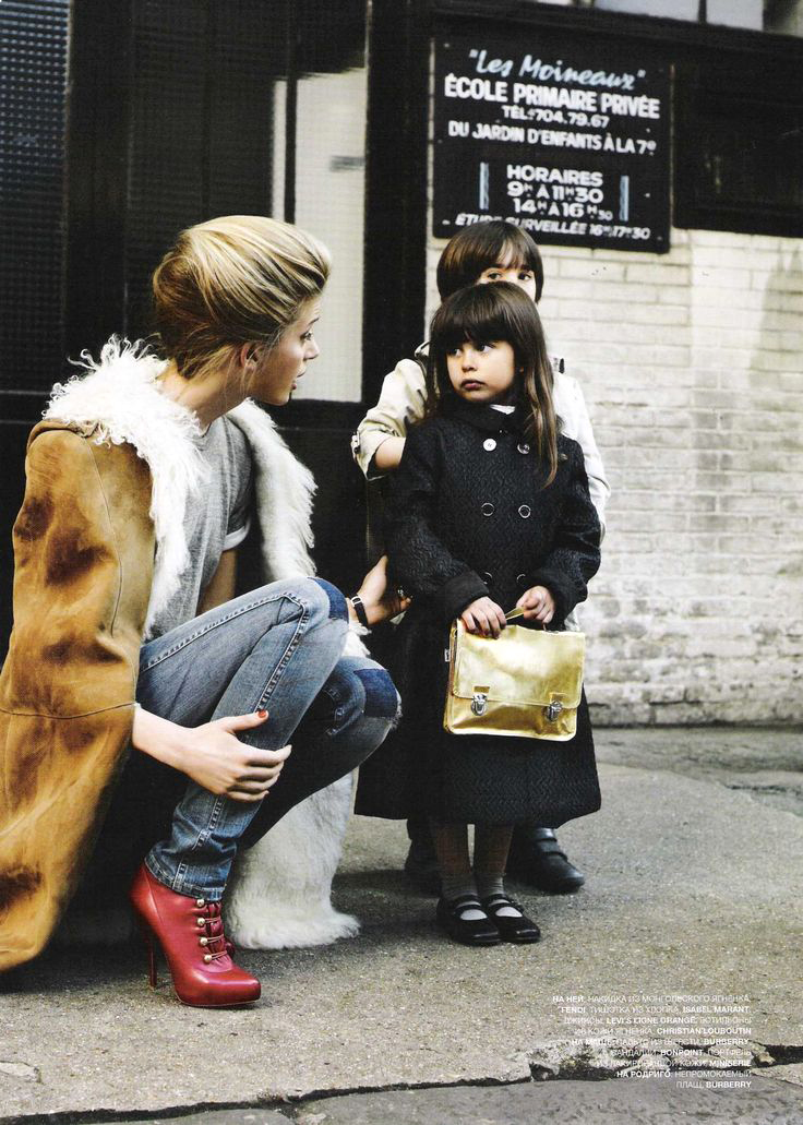 Anne-Marie Van Dijk photographed by Pamela Hanson for L'Officiel Russia October 2009 / baby girl, mother & daughter fashion editorials / models & their children / via fashioned by love british fashion blog