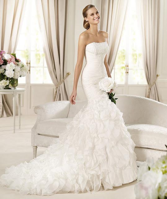 http://3.bp.blogspot.com/-m7yfya4zUws/T6d6vMXbgxI/AAAAAAAACO0/Ut3ycDx-nOE/s1600/Pronovias+2013+Bridal+dresses+11.jpg