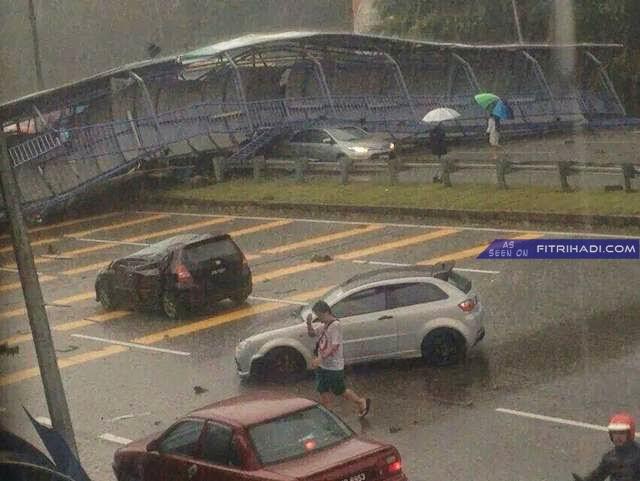 (Gambar) Bumbung Jejantas Runtuh Di highway Pasir Gudang, Johor 6