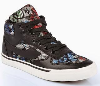 http://www.ebay.fr/itm/baskets-femme-lacets-dentelle-fleurs-noir-blanc-noires-blanches-sexy-mode-WOW-/301605783068?ssPageName=STRK:MESE:IT