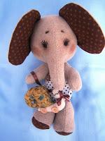 На на Ли.ру я выиграла слоняшу - сладкую конфетку!!!!