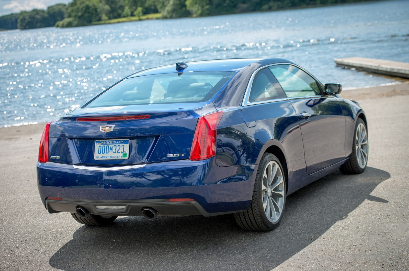 2015-Cadillac-ATScoupe-1.jpg