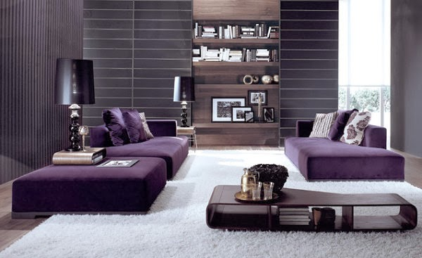 con paredes color gris y muebles violetas Sofás de diseño simple y