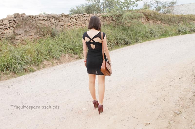 vestido con espalda al aire