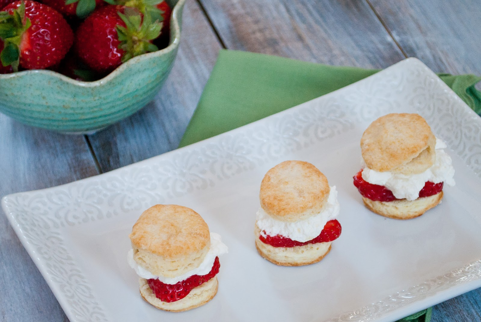 These Strawberry Shortcake Sliders from Ryan of Ryan Bakes are so ...