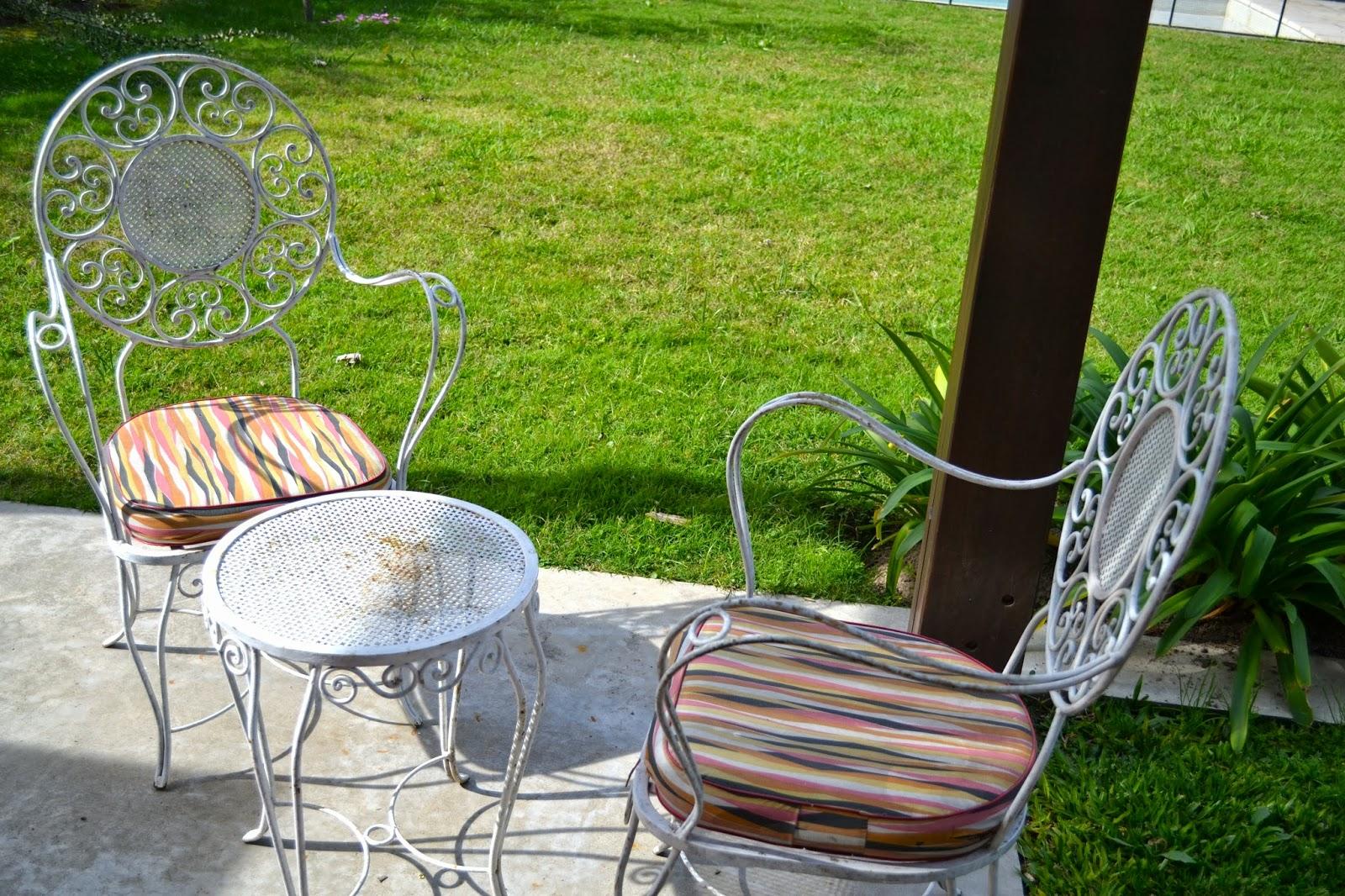 El makeover de los muebles de la abuela lote 93 for El jardin gris juego